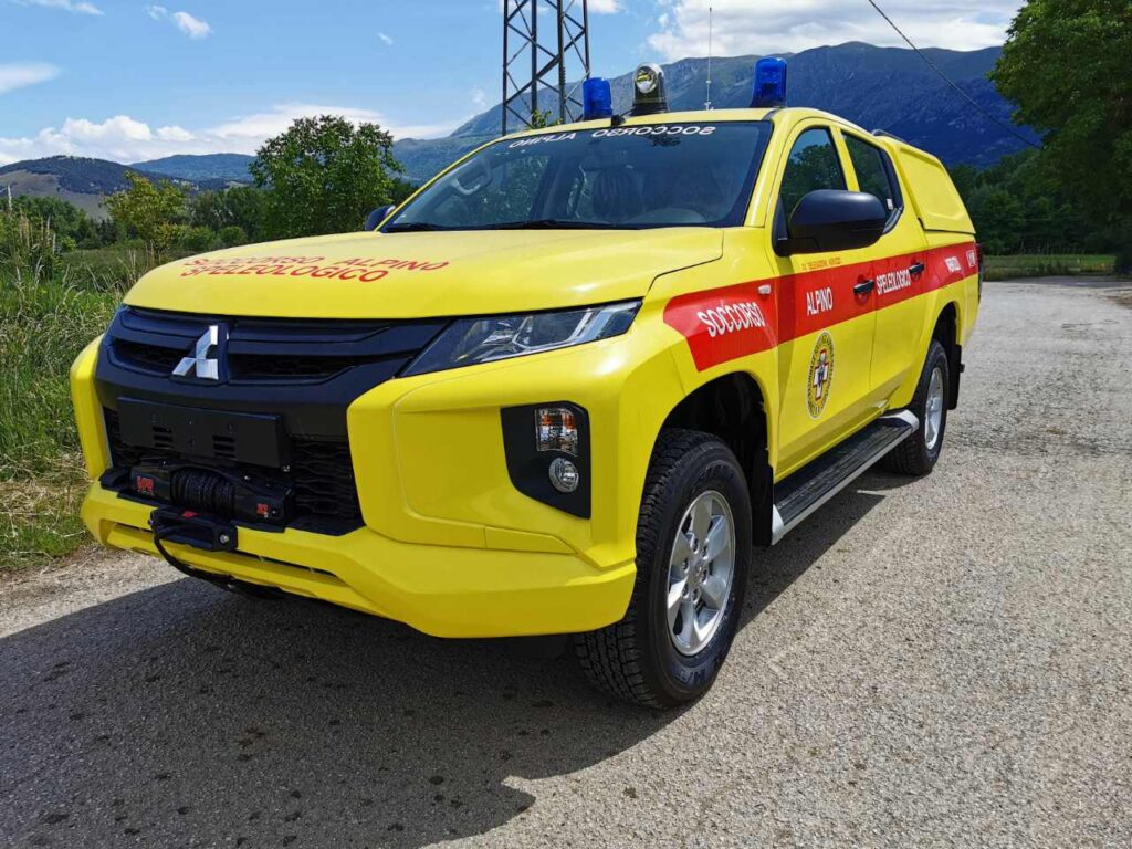 Nuovo Mitsubishi L200 Soccorso Alpino Speleologico Abruzzo Totani Off Road wrappatura wrapped pick up