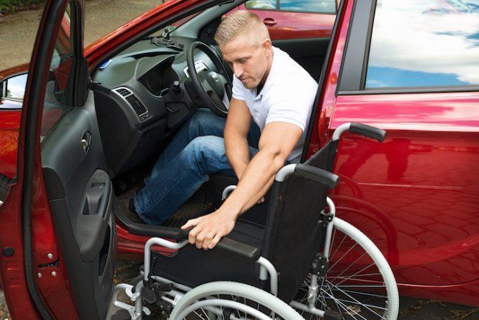 auto-disabili-696x465