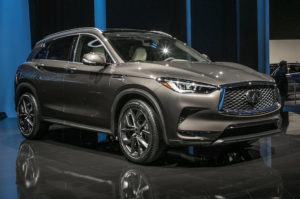 2019-infiniti-qx50-front-side-view