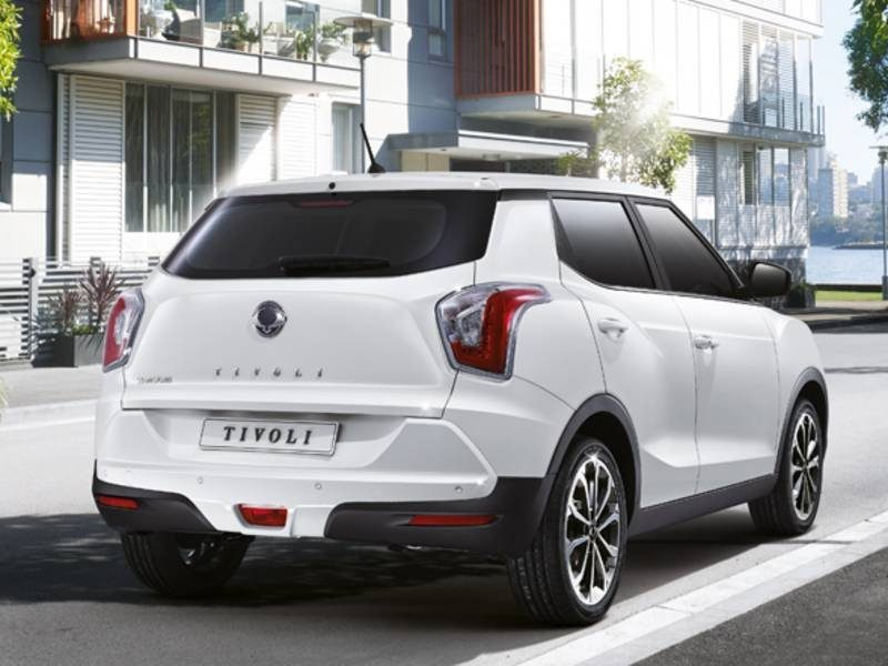 ssangyong-tivoli-2018-facelift-back-view