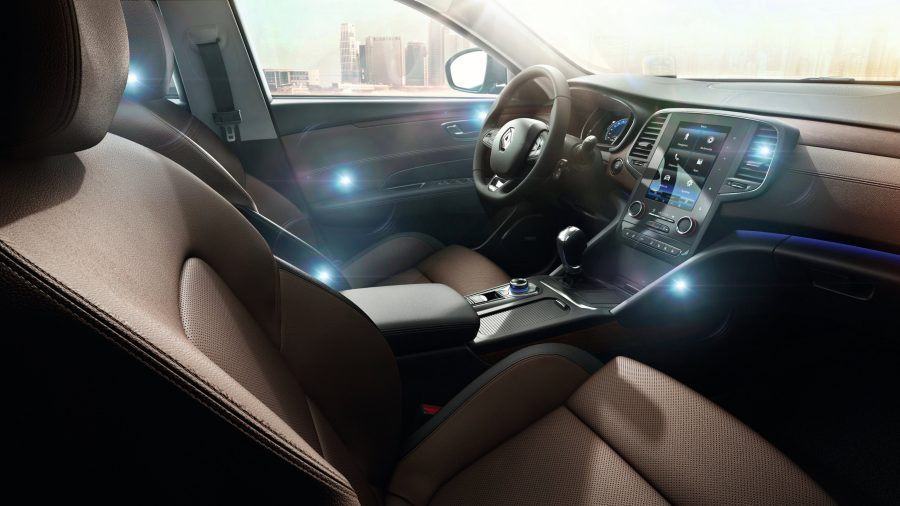 renault-talisman-lfd-ph1-features-comfort-006-jpg-ximg-l_6_h-smart