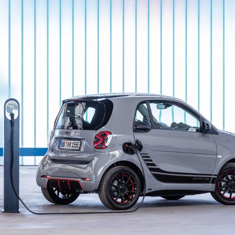 smart-si-proietta-nel-futuro-dal-2020-produrra-solo-veicoli-elettrici-2