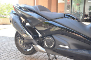 auto-moto-usate-roma-yamaha-t-max-530-dx-abs-2018-dsc_0807
